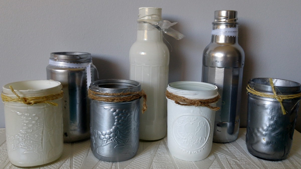 3 easy ways to paint glass jars bottles throne thimble for How to stain glass jars with paint